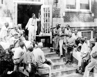 Huey Long speaking on the courthouse steps